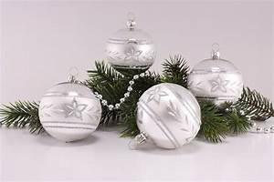 Weihnachtskugeln Glas Lauscha : 4 gro e weihnachtskugeln 10cm silber glanz mattes band ~ A.2002-acura-tl-radio.info Haus und Dekorationen