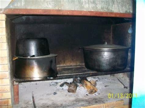 cuisine au bois la cuisine au feu de bois cazamelie location saisonniere