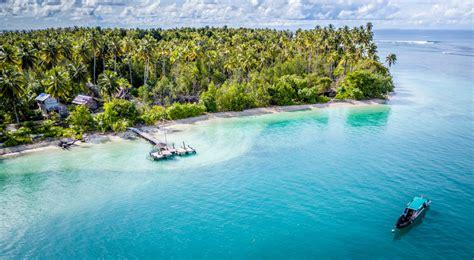 hidden paradise  pulau gempa mantawai