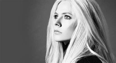 Video Avril Lavigne Al Jimmy Kimmel Live Con Head Above Water