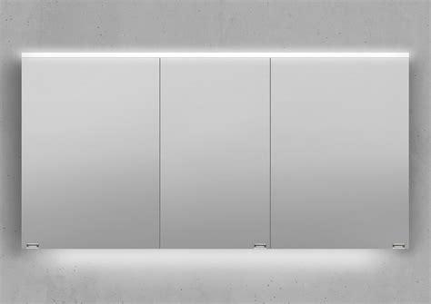 Badezimmer Spiegelschrank 140 Cm Breit by Spiegelschrank 140 Cm Integrierte Led Beleuchtung Doppelt