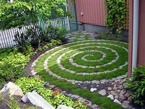 mobilier accessoires et decoration jardin a faire soi meme With sculpture moderne pour jardin 2 decorez votre cour avec les nains de jardin