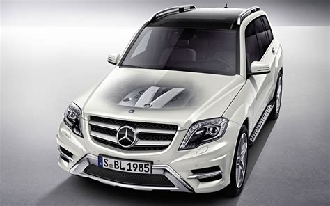 Mercedes Benz Glk 2012 Wallpaper