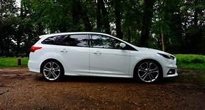 Focus St Sw : ford focus st sw 5 en voiture carine ~ Medecine-chirurgie-esthetiques.com Avis de Voitures