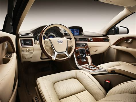 See what power, features, and amenities you'll get for the money. 2012 Volvo S80 - Price, Photos, Reviews & Features