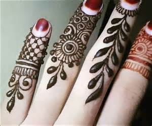 Small Hand Henna Designs Fingers