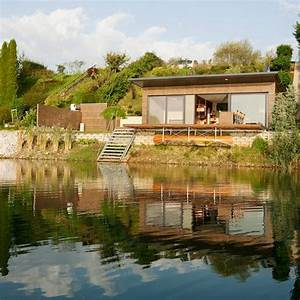 Tiny House österreich : modern lake house in graz austria with shed roof concrete floors living sleeping areas ~ Whattoseeinmadrid.com Haus und Dekorationen