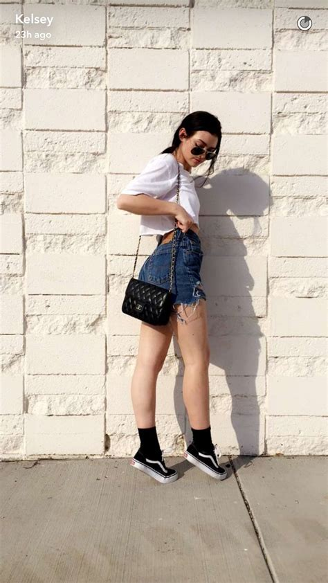 1000+ images about Teen Tumblr girl Fashion on Pinterest | Floral shorts tumblr Outfits and ...