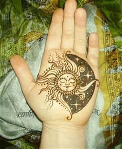 Lune Dessin Tatouage : tatouage soleil lune les tatouages ~ Melissatoandfro.com Idées de Décoration