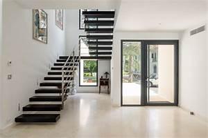 agencement decoration d39une villa contemporain With porte d entrée alu avec renovation carrelage mural salle de bain