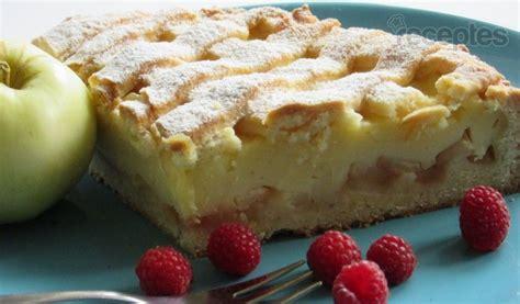 Konditoreja un maize Ābolkūka ar vārīto krēmu   Recipe   Chocolate pie recipes, Food, Desserts