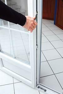 Porte de garage sectionnelle avec cremone porte fenetre for Porte de garage enroulable avec cremone pour porte fenetre pvc