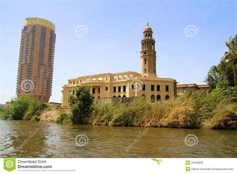 le bureau lumi鑽e du jour paysage de fleuve de nil au caire egypte photos libres de droits image 24919958