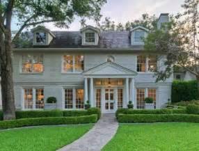 hgtv livingroom for sale designer shannon bowers 39 house in dallas hooked on houses