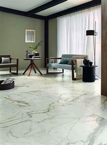 Pavimenti per il soggiorno: marmo, effetto marmo ed estetica legno Cose di Casa