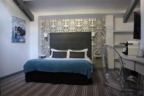 reserver une chambre d hotel chambres d 39 hôtel à chambres à l 39 hôtel le dauphin