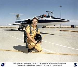 Pilots ECN-31797-FR10: F-104 with research pilot Steve Ishmael