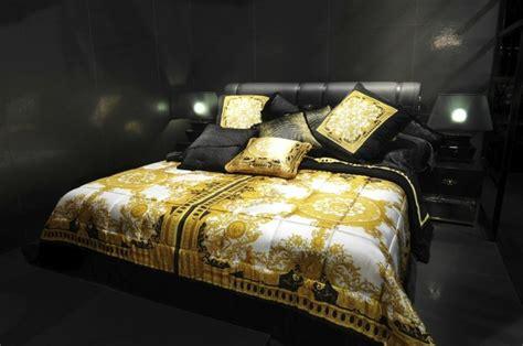 meuble cuisine caravane meuble versace et accessoires de la marque pour la maison