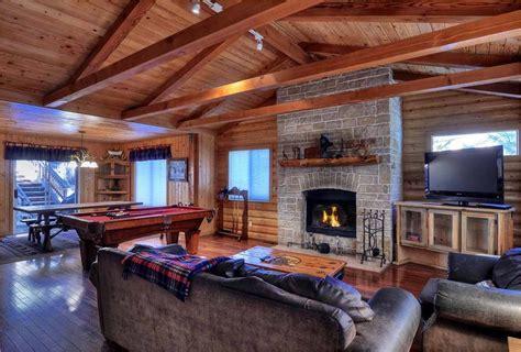 rent a cabin in big big cabin 4 bedroom sleeps 13 big lake