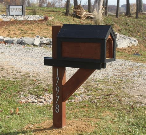 building  cool mailbox   pallet