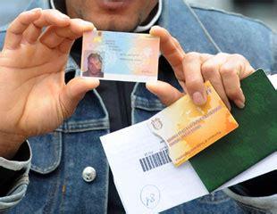 voglio sapere se il mio permesso di soggiorno e pronto carta di soggiorno devo presentare il certificato penale