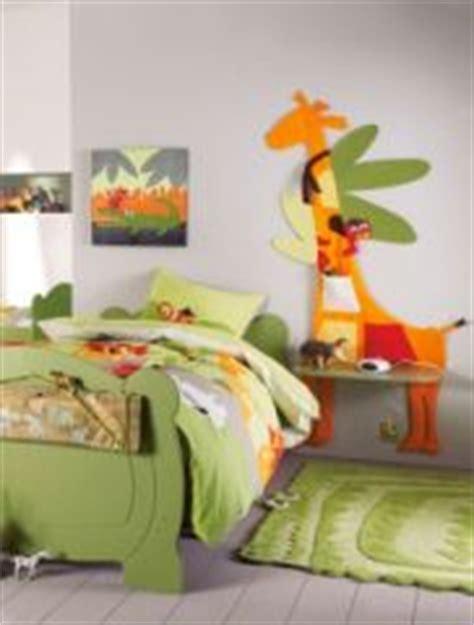 chambre d enfant original chambre d enfant table de chevet et d 233 coration murale
