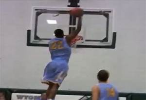 Andrew Wiggins gets head & elbow over the rim