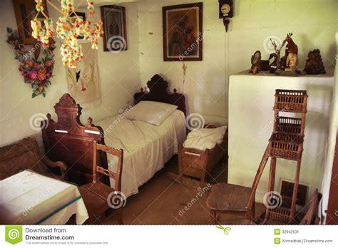 le chambre à coucher une vieille chambre à coucher en bois et rustique image