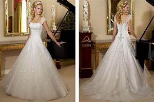 Wallpaper for living room india price 2017 2018 best for Michael angelo wedding dresses