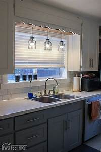 30 awesome kitchen lighting ideas 2017 for Over the kitchen sink lighting