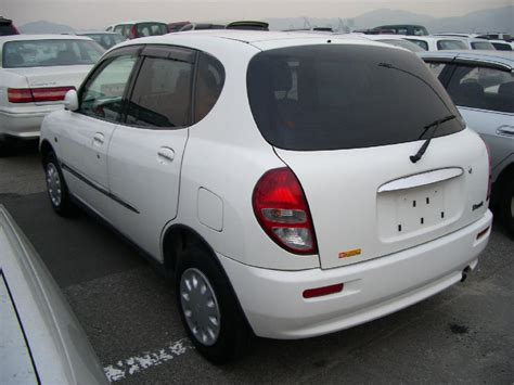 Used 2000 Toyota Duet Photos