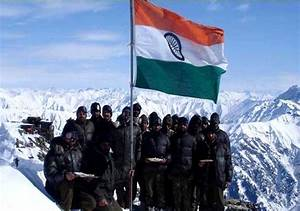 12 Pictures Of Indian Soldiers Hoisting National Flag Will ...