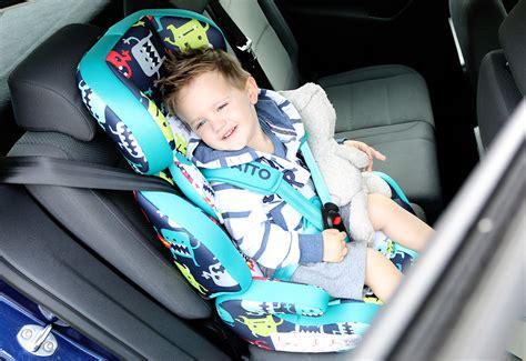 cosatto zoomi cuddle monster  car seat review liza prideaux
