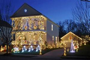 29, Types, Of, Outdoor, Christmas, Lights, For, Your, House, 2020, Holiday, Lighting, Guide