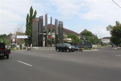 institut seni indonesia yogyakarta yogya gudegnet