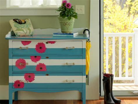 creative ways  paint  dresser diy