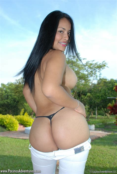 Finger Fucking Latina Teen Model Outdoors With Her Pussy