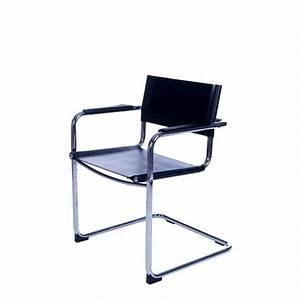 Chaise Noire Design : chaise de bureau design noire ~ Teatrodelosmanantiales.com Idées de Décoration
