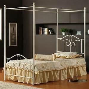 decoration chambre avec lit baldaquin With chambre bébé design avec bouquet Ï livrer