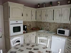 repeindre sa cuisine en bois quelle peinture utiliser With mur couleur lin et gris 18 deco cuisine campagne rouge