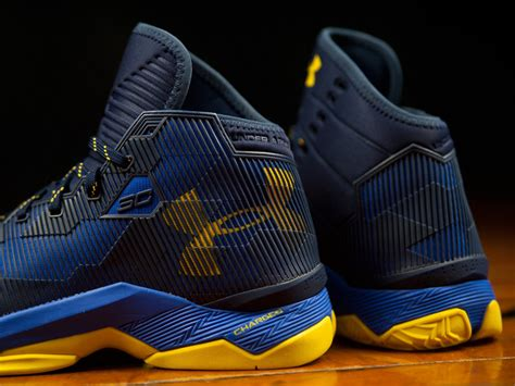 The Under Armour Curry 2.5 'dub Nation' Is Available Now