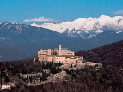 Castel Monte Interno by Castelmonte Madone Di Mont Cjalzumit