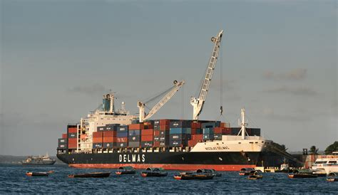 Shipping Boat Picture by File Container Ship Jpg