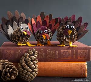 cheap centerpiece ideas make pine cone turkeys dollar store crafts