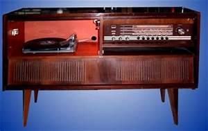 Meuble Pour Tourne Disque : grundig meuble stereo avec tourne disque ecll800 ~ Teatrodelosmanantiales.com Idées de Décoration