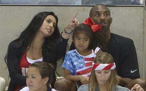 kobe bryant carries guilt  wifes miscarriage blames
