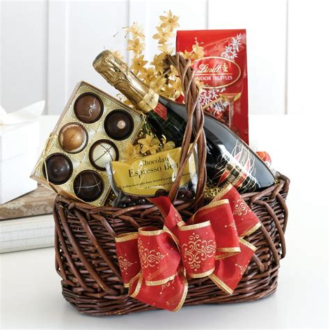 40 Best Christmas Gift Basket Decoration Ideas  All About. Compact Ensuite Bathroom Ideas. Innovative Small Kitchen Ideas. Outdoor Kitchen Lighting Ideas. Tattoo Ideas Dandelion. Tattoo Designs Verses. Ideas For Painting Your Kitchen Cabinets. Garden Ideas In Pots. Kitchen Island Hood Ideas