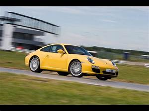 Porsche Driving Experience Centre At Silverstone