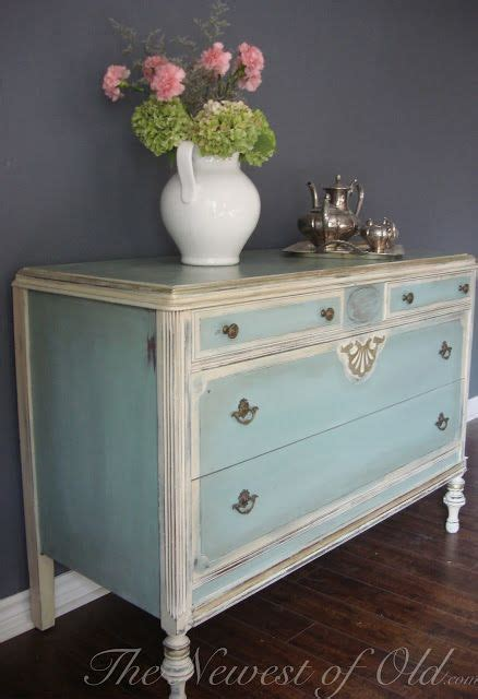 blue color paired  antique white
