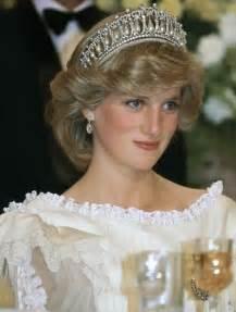 cartier diamond ring kate middleton wears princess diana 39 s signature tiara for